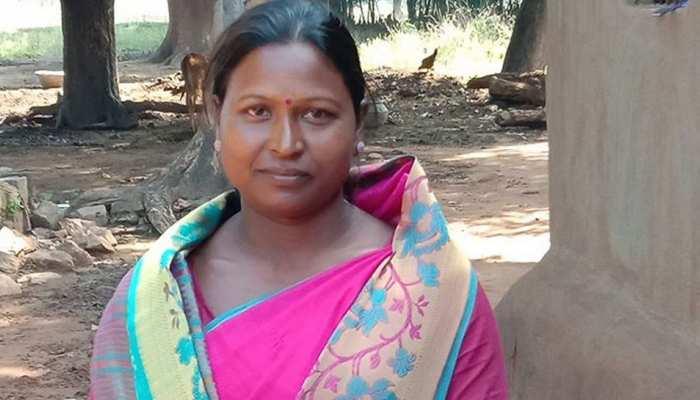 गोल्ड मेडल विनर के घर पर शौचालय का सपना पूरा, झारखंड सीएम ने की मदद