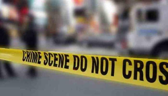 दिल्ली: घर से मां बेटी के शव बरामद, हत्या की आशंका