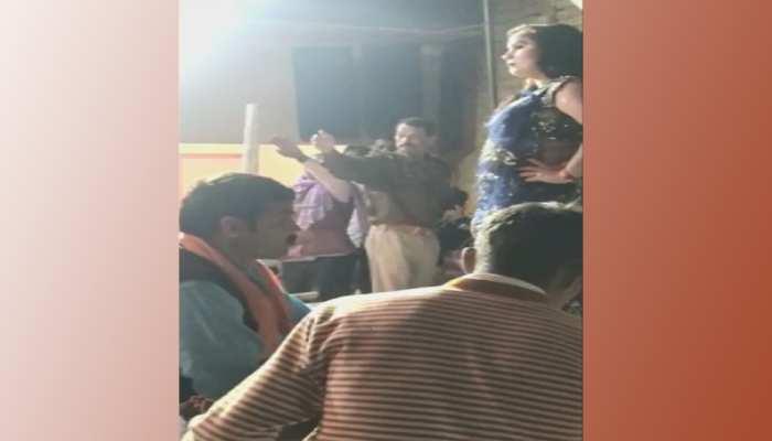 लखनऊ: भोजपुरी गाने पर 'अश्लील फरमाइश' करने वाले दारोगा जी सस्पेंड