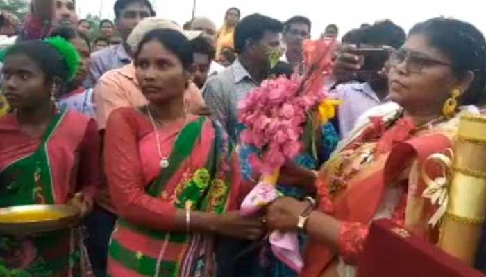 राष्ट्रपति से पुरस्कार पाकर लौटी 'वन देवी' का हुआ भव्य स्वागत, महिला दिवस में मिला था सम्मान