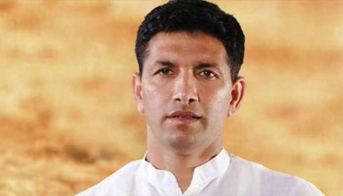 MP: बागी विधायकों को मनाने पहुंचे जीतू पटवारी के साथ मारपीट, कांग्रेस ने जारी किया वीडियो