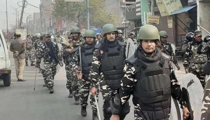 दिल्ली हिंसा: जुमे की नमाज के पहले संवेदनशील इलाकों में पैरामिलिट्री फोर्स की 30 कंपनियां तैनात