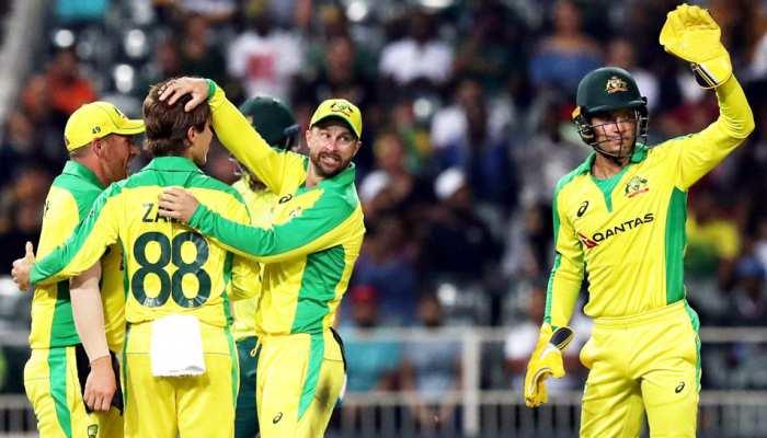 AUS vs NZ: कोरोना से डरे ऑस्ट्रेलिया-न्यूजीलैंड के क्रिकेटर; बदला जश्न का तरीका, देखें VIDEO
