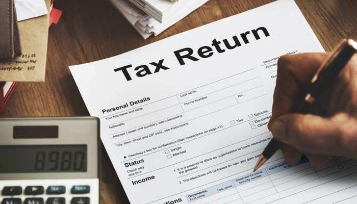 UP: आगरा-मथुरा में इनकम टैक्स जमा नहीं करने वाले 100 से अधिक लोगों के बैंक खाते अटैच