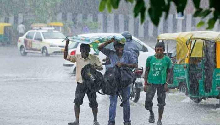 मौसम ने ली करवट, दिल्ली सहित कई इलाकों में तेज बारिश, ओलावृष्टि