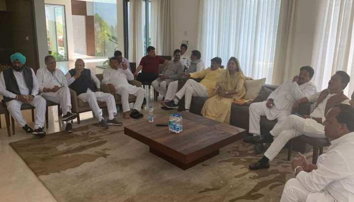 MP में सियासी हलचल जारी, सिंधिया समर्थक 6 विधायकों के इस्तीफे मंजूर, कमलनाथ सरकार में थे मंत्री