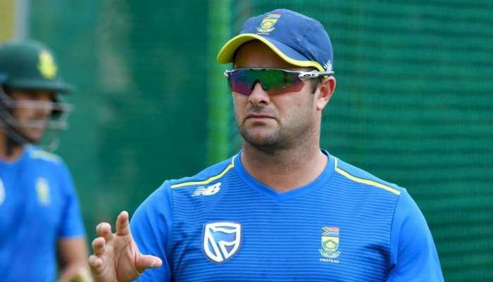 दिग्गज क्रिकेटर की सलाह- Corona से बचने के लिए क्यों ना बंद कर दें मोबाइल