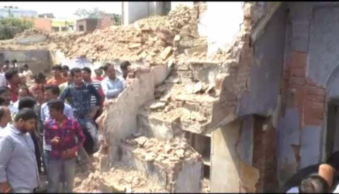 बरेली: जर्जर इमारत को तोड़ते वक्त बड़ा हादसा, मलबे में दबे 5 मजदूर, 1 की हुई मौत