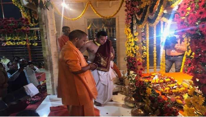 अयोध्या: टेंट से निकलकर अस्थायी मंदिर में विराजित हुए रामलला