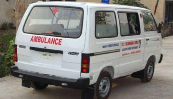 सीकर: रोगियों के नाम पर सवारियां लेकर जा रही एंबुलेंस पकड़ी, 3 गाड़ियां सीज
