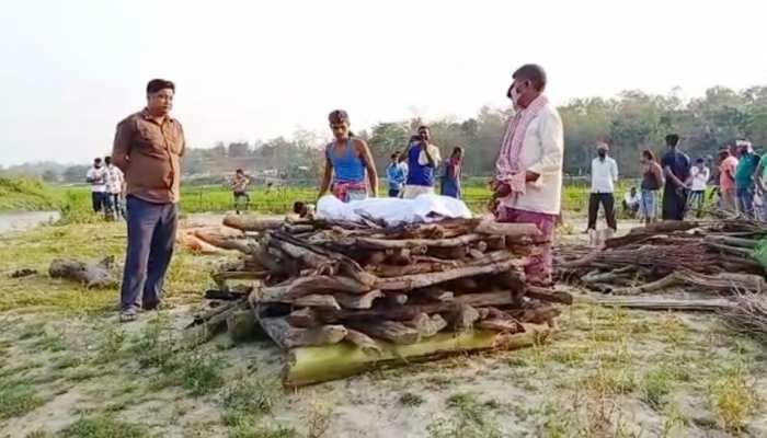 मुस्लिम लोगों ने हिंदू खातून की आखिरी रसूमात अंजाम देकर पेश की यकजहती की मिसाल