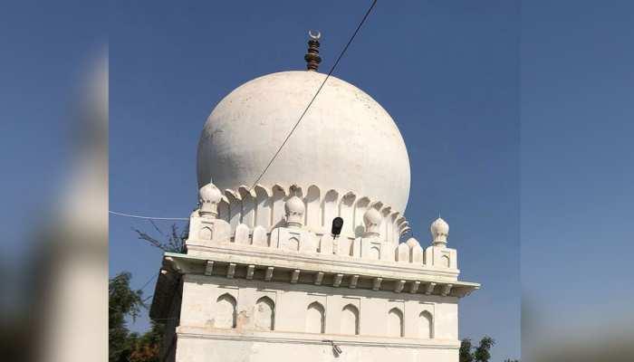 राजस्थान: दरगाह में छुपे थे 13 लोग, पुलिस ने दर्ज किया मामला