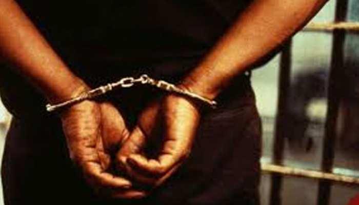वीजा नियमों के उल्लंघन पर 10 विदेशी समेत 12 गिरफ्तार, बिहार का व्यक्ति भी शामिल