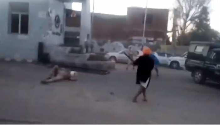 कर्फ्यू पास मांगने पर निहंग सिखों ने पुलिसकर्मियों पर किया हमला, ASI का काट दिया हाथ