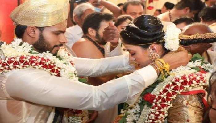 साबिक सीएम एचडी कुमारस्वामी के बेटे निखिल की शादी,सोशल डिस्टेंसिंग की उड़ी धज्जियां