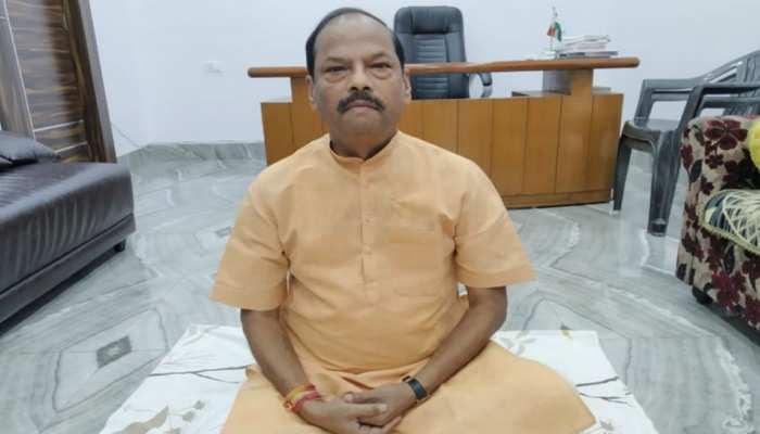 झारखंड: एक दिन के उपवास पर बैठे पूर्व सीएम रघुवर दास, ट्वीट कर सरकार पर साधा निशाना