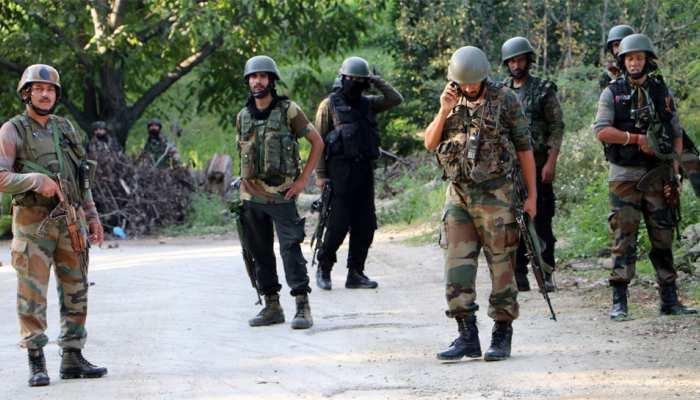 जम्मू-कश्मीर: सुरक्षाबलों ने एनकाउंटर में मार गिराए 3 आतंकी, सर्च ऑपरेशन जारी