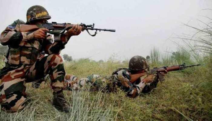 कश्मीर में बीते 12 घंटे में सुरक्षाबलों और आतंकियों के बीच 2 मुठभेड़, 4 आतंकी ढेर