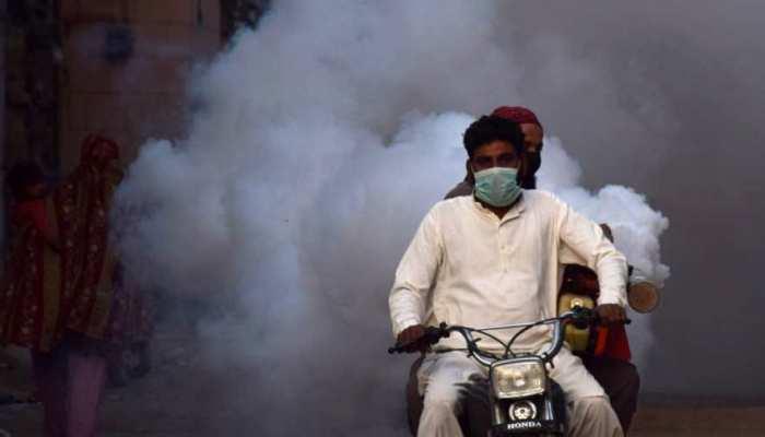 पाकिस्तान में बढ़ रही है कोरोना वायरस मामलों की संख्या, 24 घंटे में इतने मरे