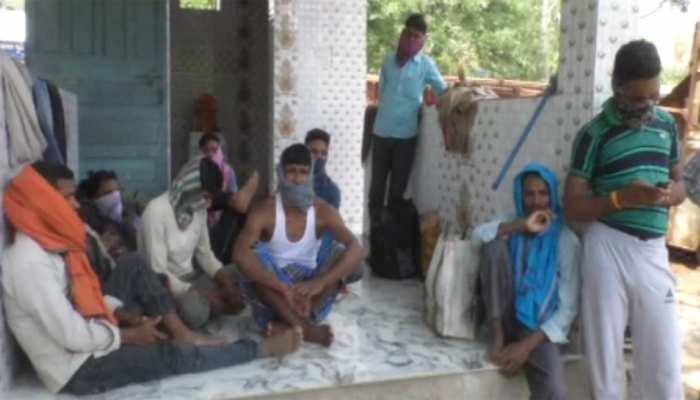 बस्तर: जगदलपुर से पैदल झारखंड जा रहे थे 29 मजदूर, पुलिस ने रोका तो सुनाई अपनी पीड़ा