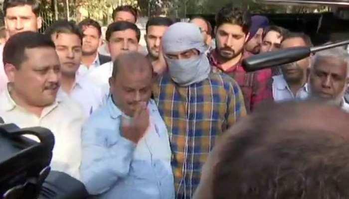 दिल्ली हिंसा: हेड कांस्टेबल पर बंदूक तानने वाले शाहरुख पठान ने कड़कड़डूमा कोर्ट में दाखिल की जमानत याचिका