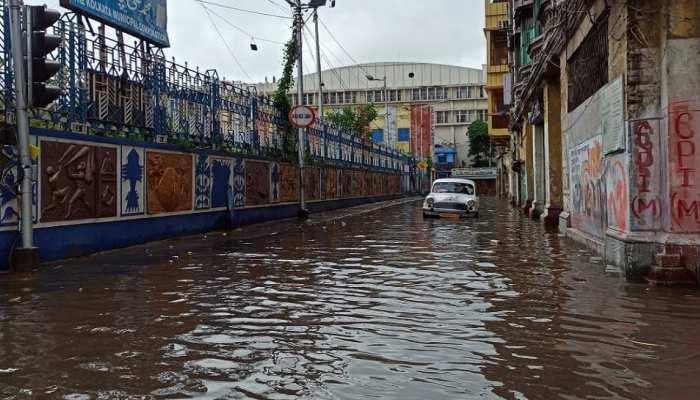 कोलकाता समेत पश्चिम बंगाल के कई जिलों में आया कालबैसाखी तूफान, सड़कों पर पानी ही पानी