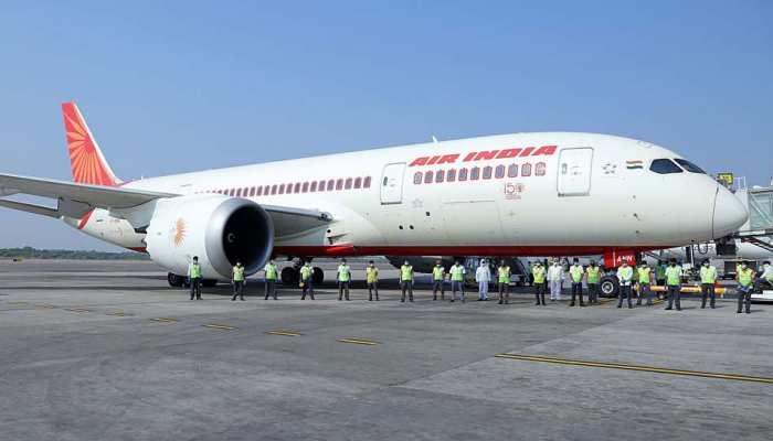 वंदे भारत मिशन: UAE से 363 भारतीयों को लेकर दो विमान केरल पहुंचे