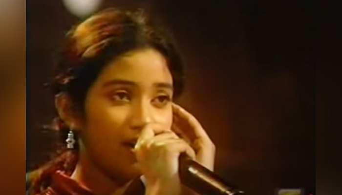 सामने आया Shreya Ghoshal सालों पुराना VIDEO, अलका यागनिक के गाने से बांधा था समा
