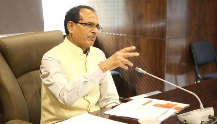 मुख्यमंत्री शिवराज का कलेक्टरों को निर्देश- प्रवासी श्रमिकों को अतिथि समझ मुहैया कराएं सारी सुविधाएं