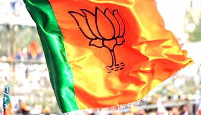 झारखंड: BJP नेताओं ने सोशल डिस्टेंसिंग का बनाया 'मजाक', MP पशुपतिनाथ रहे मौजूद