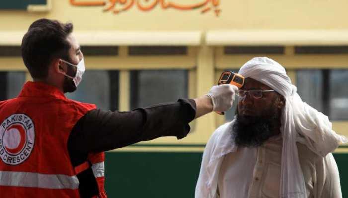 COVID-19: पाकिस्तान में घरेलू उड़ानें 13 मई तक रद्द, मामले 30 हजार पार, 667 मौतें