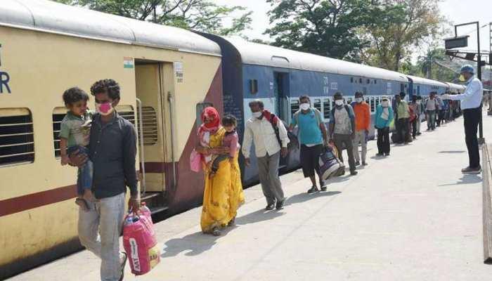 Lockdown: 7 हजार से ज्यादा मजदूर सूरत में फंसे, पश्चिम बंगाल में प्रवेश की नहीं मिल रही अनुमति