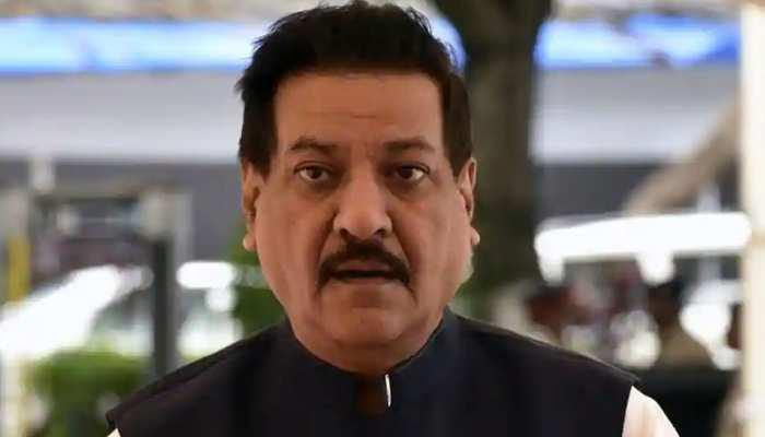 पृथ्वीराज चव्हाण ने अपनी ही सरकार पर साधा 'निशाना', CM उद्धव को दे डाली ये सलाह