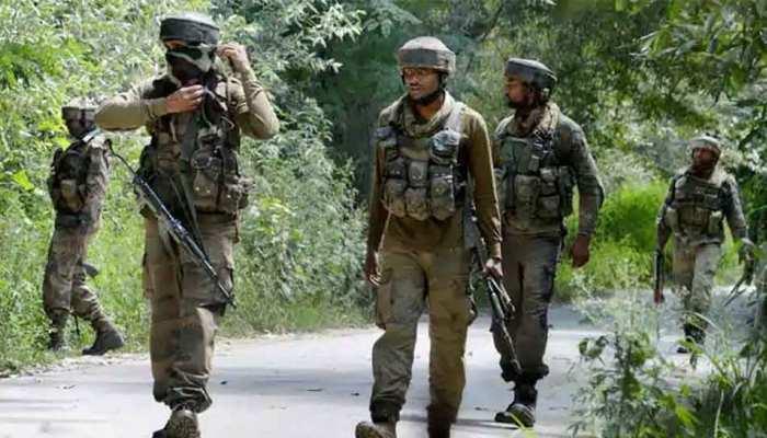 नागरिकों को ढाल बनाकर उग्रवादियों ने सुरक्षा बलों पर चलाईं गोलियां, एक ग्रामीण की मौत