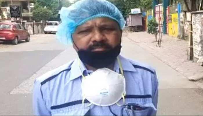 Indore: मास्क और सेनिटाइजर नहीं मिलने से नगर निगम के कर्मचारी नाराज, की ये मांग