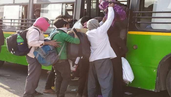 दिल्ली-गाजीपुर बॉर्डर पर प्रवासी श्रमिकों की भीड़, बसों में भरकर ले जाए जा रहे शेल्टर होम