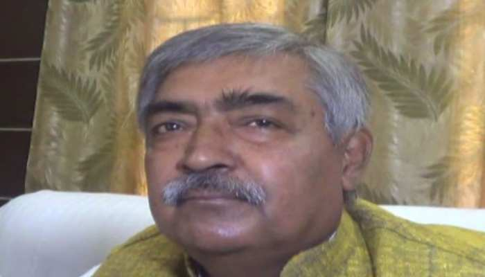 बिहार: लालू के ट्वीट पर मंत्री विनोद नारायण झा ने किया पलटवार, तेजस्वी पर भी किया तंज