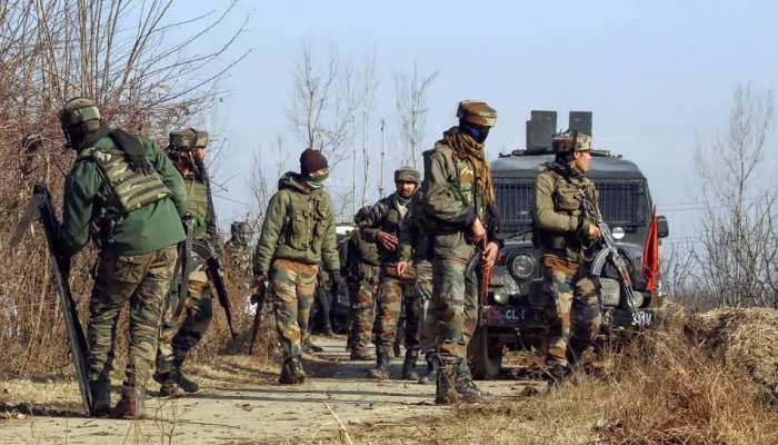 जम्मू-कश्मीर: पुलवामा में सुरक्षाबलों की टीम पर आतंकी हमला, एक पुलिसकर्मी शहीद