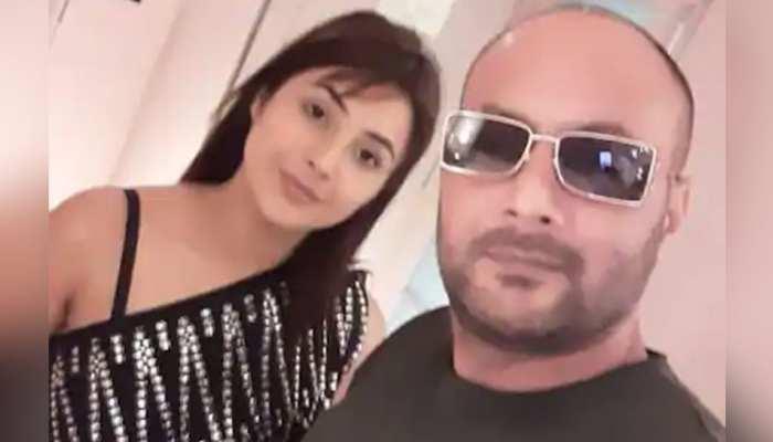 बंदूक की नोक पर रेप के आरोप पर Shahnaz Gill के पिता ने दी सफाई, कही ये बात
