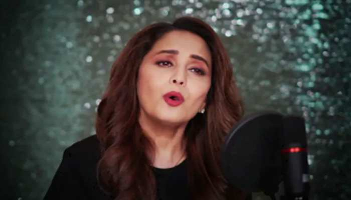 Madhuri Dixit ने कोरोना वॉरियर्स के लिए गाया अपना पहला गाना, रिलीज होते ही वायरल हुआ VIDEO