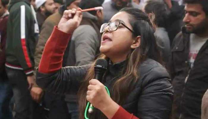 दिल्ली फसादात: पटियाला हाउस कोर्ट ने बढ़ाई सफूरा ज़रगर और मीरान हैदर की रिमांड