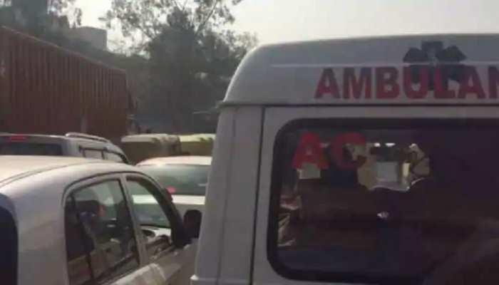 मुंबई: मेडिकल सुविधाएं ना मिलने से एंबुलेंस में शख्स की मौत, परिवार ने सरकार पर लगाए गंभीर आरोप