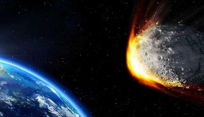 धरती पर कोरोना वायरस का संकट, आकाश से 5.2KM/सेकेंड से आ रही आफत