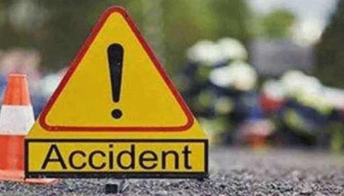 सुल्तानपुर: ट्रक से भिड़ी प्रवासियों से भरी बस, हादसे में 18 लोग घायल, 2 की हालत गंभीर