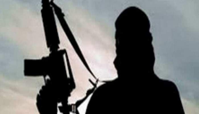 कश्मीर: घर से 50 मीटर की दूरी पर आतंकियों ने सरपंच को गोलियों से भूना, हुई मौत