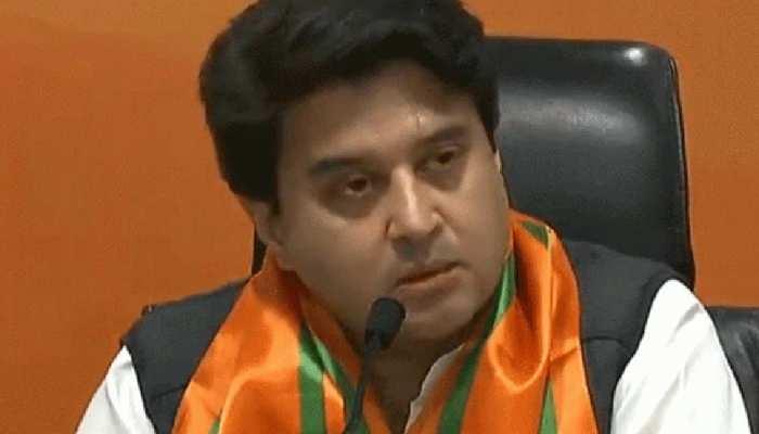 MP: बीजेपी नेता ज्योतिरादित्य सिंधिया में कोरोना संक्रमण, शिवराज ने कहा- जल्द स्वस्थ हों