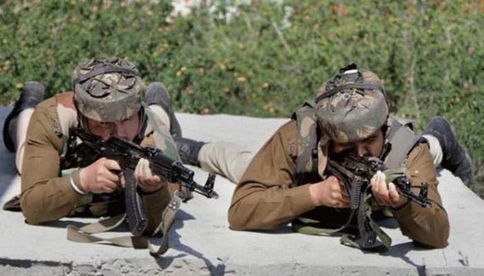J&K: शोपियां में सुरक्षाबलों ने मारे 4 आतंकी, पाकिस्तान ने LoC पर दागे मोर्टार