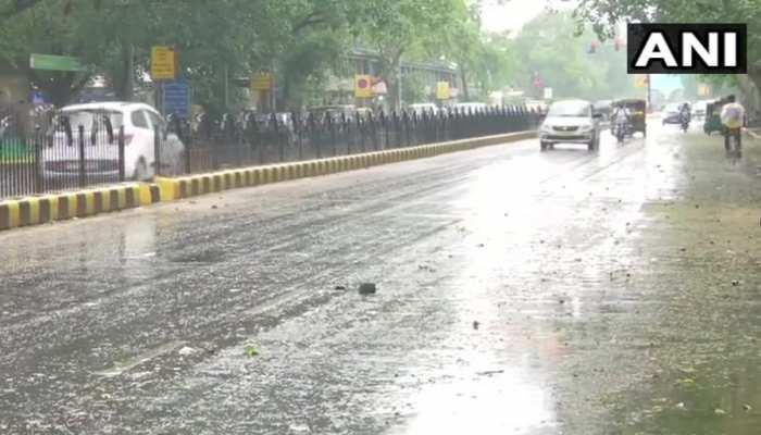 दिल्ली-NCR में झमाझम बारिश, उमस से मिली राहत