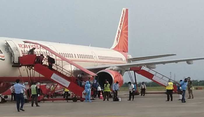 'वंदे भारत मिशन' का तीसरा चरण शुरू, अब तक विदेश में फंसे इतने लाख भारतीय घर लौटे