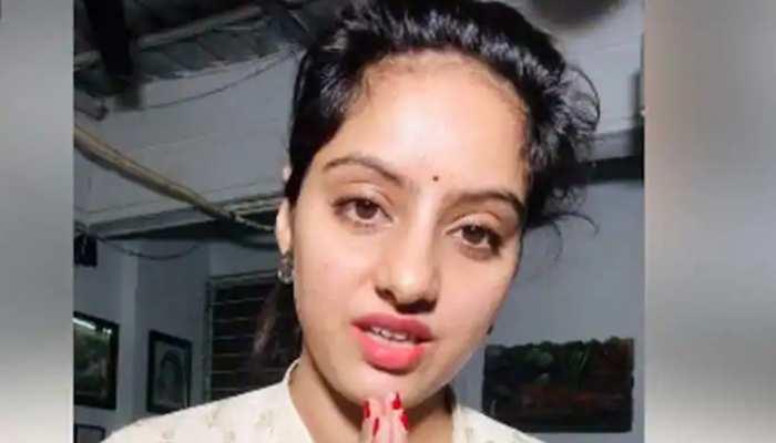 CM से अपील के बाद एक्ट्रेस दीपिका की मां को अस्पताल में किया गया भर्ती